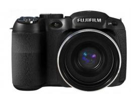 Фотоаппарат FujiFilm Finepix S2700 HD